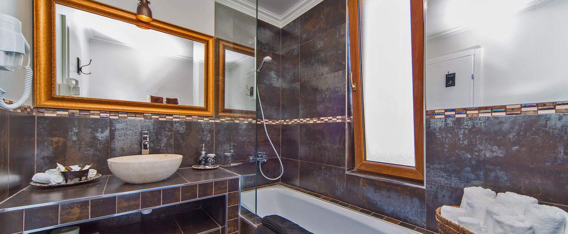 Dubrovnik villa master bathroom