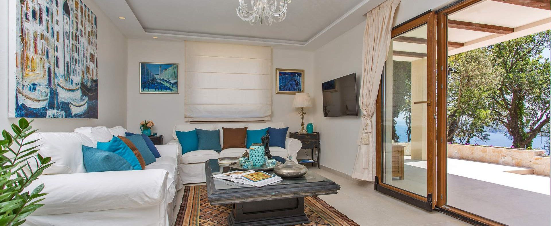 luxury villa lounge
